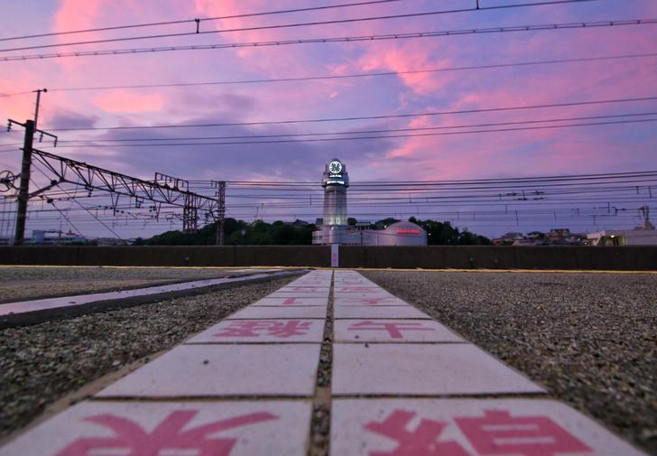 JR人丸前駅を通る子午線