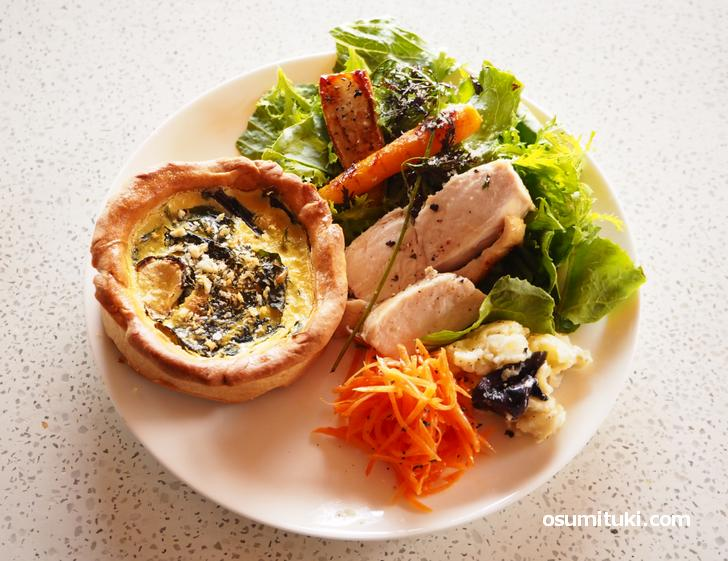 亀岡野菜を中心にしたヘルシーなランチプレート(1200円)